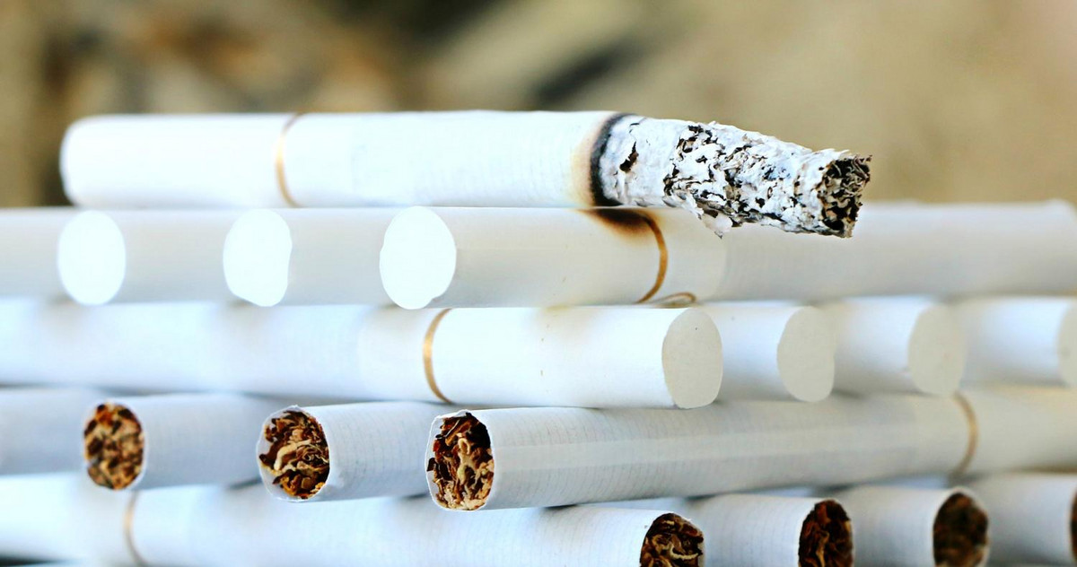 Picture of a stack of cigarettes
