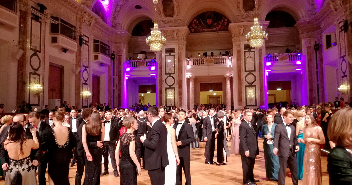 Picture of the dancefloor