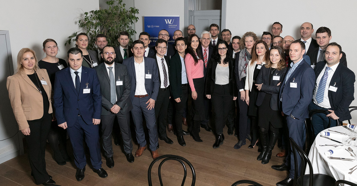 Group picture of the Executive MBA Bucharest class of 2016