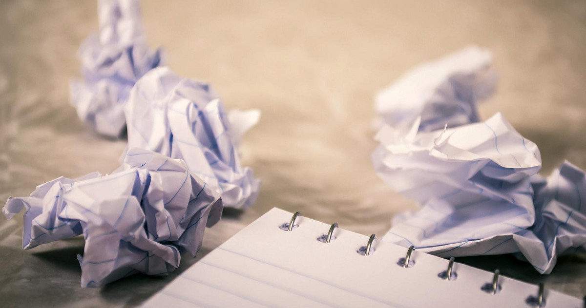 Picture of crumpled-up notes as a symbol of a discarded innovation